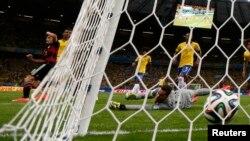 Բրազիլիա - Գերմանիայի հավաքականը գրավում է Բրազիլիայի թիմի դարպասը, Բելու Օրիզոնտե, 8-ը հուլիսի, 2014թ.