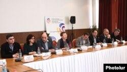 Հայաստանի ընդդիմության և քաղհասարակության ներկայացուցիչները քննարկում են նոր ԸՕ-ի նախագիծը, 29-ը փետրվարի, 2016թ․