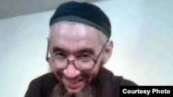 Азамат Кәрімбаевтың тірі кезіндегі соңғы суреті Ақтөбедегі №5 тергеу абақтысында түсірілген. Сурет марқұмның туыстарынан алынды.