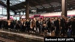 Gužva na željezničkoj postaji, Pariz