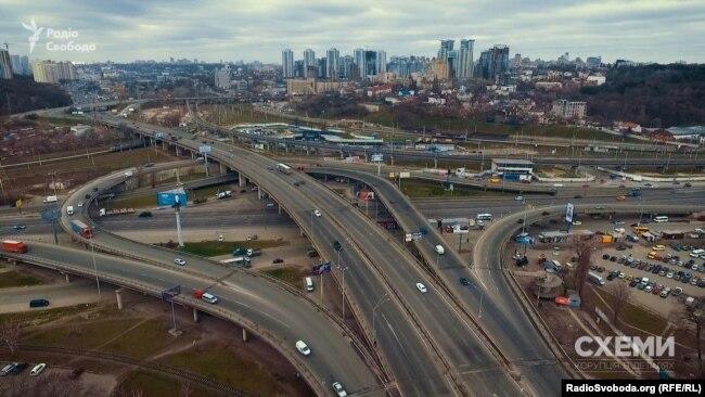 Розв'язка біля Південного мосту в Києві