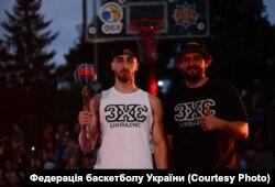 Роман Гашков став переможцем фіналу Української стрітбольної ліги у 2019 році, а також посів друге місце на данк-контесті в Дебрецені (Угорщина)