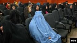 Əfqan qadınlar Herat şəhərində 8 mart Qadınlar Günü tədbirində