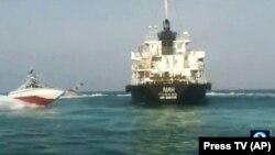 Танкер MT Riah під прапором Панами Іран затримав 14 липня