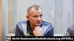 Активіста Євромайдану Івана Бубенчика раніше підозрювали у вбивствах двох правоохоронців і одному замаху на вбивство