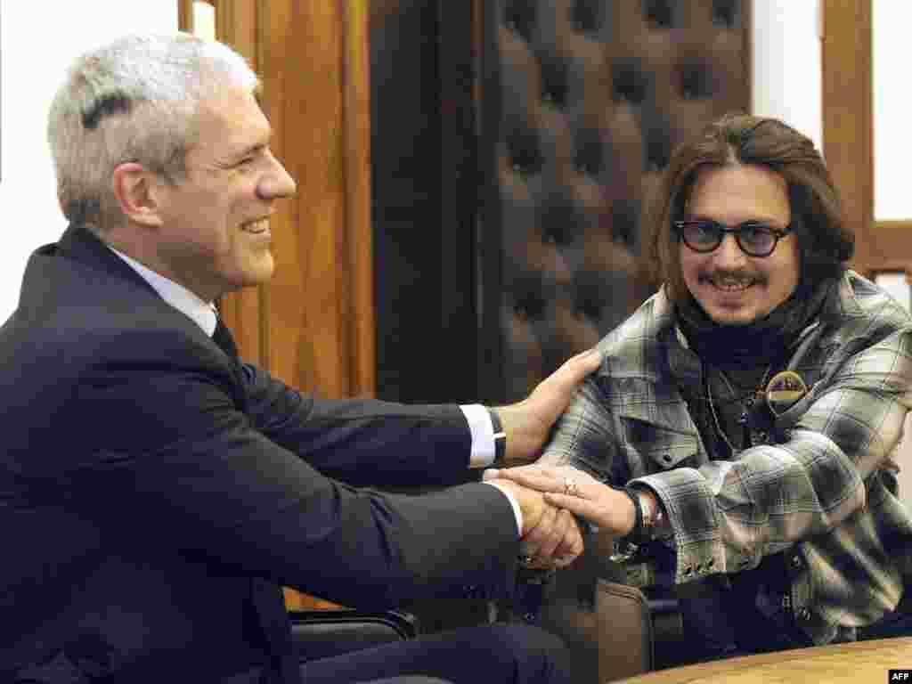 Средба на Борис Тадиќ со Џони Деп во Белград, 12.01.2010.