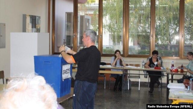 Glasanje u Banjoj Luci, foto: Gojko Veselinović