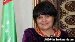 Түркімен парламентінің спикері Акжа Нурбердиева.
