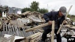 Скромный и непритязательный таджик - воплощение аутсорсинга по-российски.