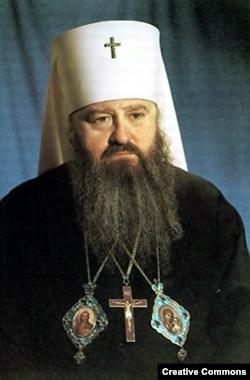 Митрополит Ленинградский Никодим (Ротов) считается духовным наставником патриарха Кирилла. Он умер в 1978 году во время визита в Ватикан