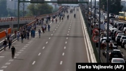 Protest beogradskih vozača zbog poskupljenja goriva.