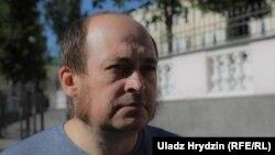 Паўлюк Быкоўскі пасьля допыту ў Сьледчым камітэце