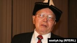 Топчубек Тургуналиев, директор бишкекского Института манасоведения.