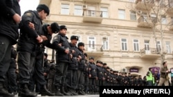 Azerbaijan -- opposition protests in downtown Baku - 12Mar2011