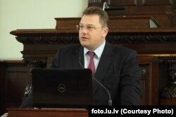 Гирт Рунгайнис
