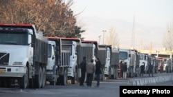 اعتصاب کامیونداران در زنجان