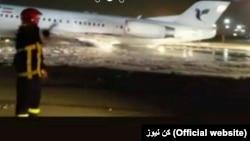 تصویری از هواپیمایی که هنگام فرود دچار سانحه شد