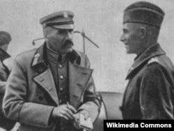 Юзеф Пилсудский (слева) в августе 1920 года