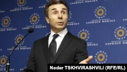 За недолгую политическую карьеру Иванишвили лишь дважды выходил к грузинским журналистам