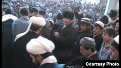Uzbekistan - uzbek imam Obid Nazarov on Friday prayer in Tashkent in 1996