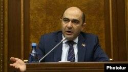 Armenia -- Bright Armenia Party leader Edmon Marukian speaks during a parliament session in Yerevan, April 16, 2019.