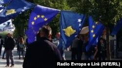 Građani Kosova jedini u regiji i dalje moraju da apliciraju za šengen vizu
