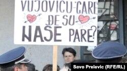 Sa jednog od radničkih protesta ispred Vlade Crne Gore, foto iz arhive