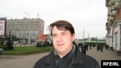 "Belarus - Piotr Kuznyatsou, new head of movement ""Za Svabodu!"" in Homel region, 7Des2009, Homel"
