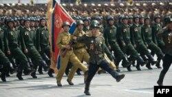 Солтүстік Корея астанасындағы әскери парад. 27 шілде 2013 жыл.