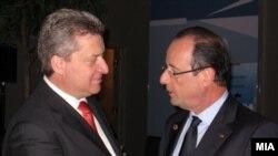 Претседателот Ѓорге Иванов и францускиот претседател Франсоа Оланд на Самитот на НАТО во Чикаго.
