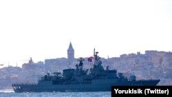 Qara deñizge kirgen NATO gemisi. Foto - Yörük Işık