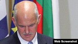Поранешниот грчки премиер Јоргос Папандреу