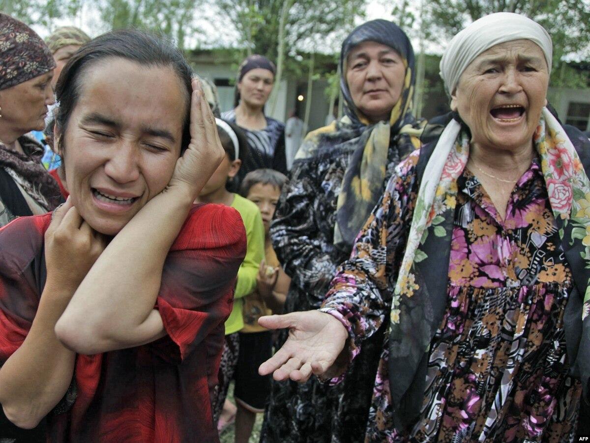 Kyrgyz Troops Patrolling Streets Of Osh As Aid Flights