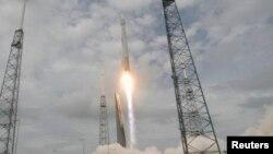 Запуск ракеты Atlas 5 на мысе Канаверал. Иллюстративное фото.