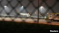 هواپیما پس از فرود در فرودگاه بینالمللی صبیحه گوکچن در استانبول
