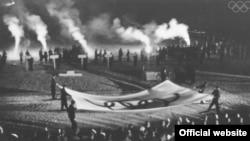 Церемония закрытия зимних Олимпийских игр в Гармиш-Партенкирхене (Германия), февраль 1936 года