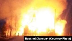 Костел в огне. Село Белосток. 17 апреля 2017 года