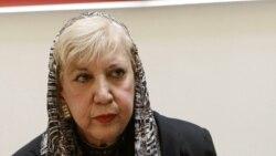 گفتگوی حسین قویمی با فریبرز رئیس دانا در مورد بستری شدن سیمین بهبهانی