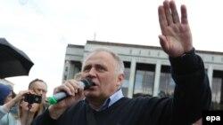 Микола Статкевич під час мітингу в Мінську 3 липня 2017 року