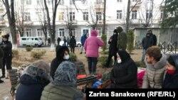 Бессрочный протест родных Инала Джабиева. Цхинвали, 7 декабря 2020 года