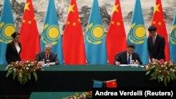 Президент КНР Си Цзиньпин (справа) и президент Казахстана Касым-Жомарт Токаев, Пекин, 11 сентября, 2019