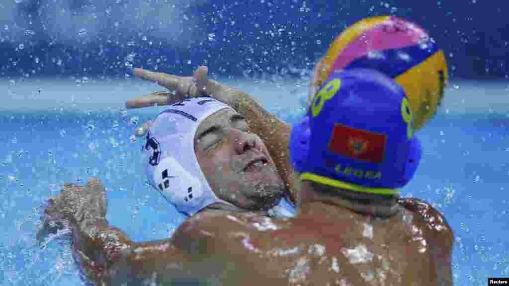 Матч по водному поло між Чорногорією та Угорщиною