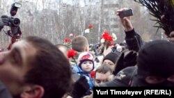 У могилы Егора Свиридова, 11 декабря 2010 г