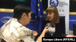 Monica Macovei, în dialog cu Valentina Ursu