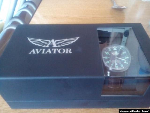 Часы Aviator Airocobra, которыми Сергей Шойгу наградил Евгения Усова