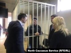 Оюб Титиев с адвокатами
