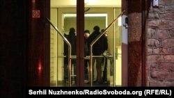 Обшуки в будинку, де розташований офіс Медведчука, Київ, 4 грудня 2019 року