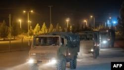 Турецкий военный конвой на границе с Сирией.