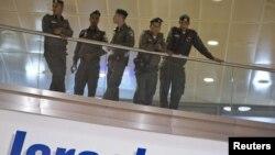 Полиција на аеродромот во Тел Авив