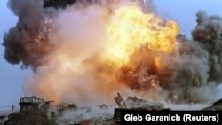 Знищення ракети СС-24 на полігоні у Первомайську 29 вересня 1998 року. Ці стратегічні ракети були здатні нести ядерні боєзаряди